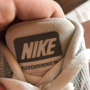 Nike Shoes - Nike flex experience RN 7 grey & white shoes